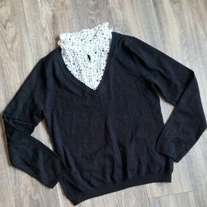 V-neck sweater built in polka dot collar detail